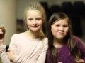 18. nov. 2015 blide jenter med kake
